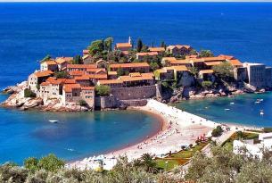 Montenegro a tu aire en coche de alquiler