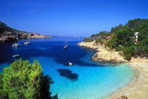 Ibiza y Formentera en velero (en grupo privado)