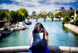 Un amor bohemio en grupo, París