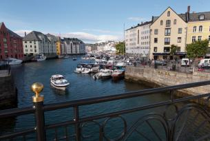 Fiordos de Noruega de sur a norte a tu aire en coche de alquiler
