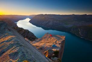 Saga noruega y  fiordos: Oslo, Stavanger, Bergen, Balestrand, fiordos de Lyse y Geiranger.