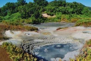 Rusia - Kamchatka -  Lago Kurilskoye y área volcánica de Mutnovsky. - Grupo multinacional