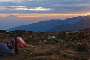 Tanzania -  Ascensión al Kilimanjaro. Ruta Marangu  - Kili express. Salida 28 Dic