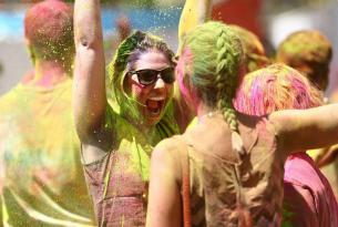 La fiesta de Colores Holi, Taj Mahal, fuertes, templos y mucho más
