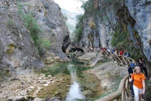 Senderismo por la Sierra de Cazorla y el desfiladero del río Borosa en el puente de San Isidro