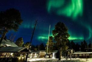 Puente de Reyes en Finlandia. Lago Inari  y Auroras Boreales