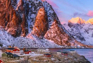 Puente de Noviembre en Suecia y Noruega: trineo de perros en Kiruna y auroras boreales en Lofoten