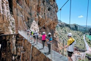 Senderismo en Málaga: Caminito del Rey, Peñón de Gibraltar y Torcal de Antequera