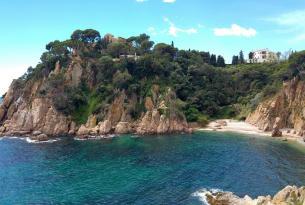 Senderismo entre volcanes y calas: La Garrotxa, Costa Brava, Cap de Creus y Roses