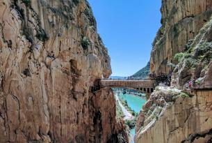 Senderismo en Málaga: Caminito del Rey, Peñón de Gibraltar, Torcal de Antequera y Sierra Blanca de Marbella