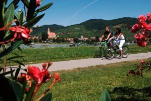 Ruta en bicicleta por el Danubio con alojamiento en Agroturismo