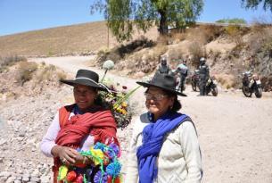 Viaje en moto Chile y Bolivia 8 días. Uyuni - Ruta de la muerte – Arica.