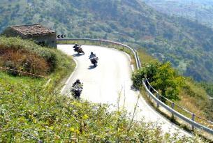 Viaje en moto trail Alemania Selva negra en moto propia o alquiler.