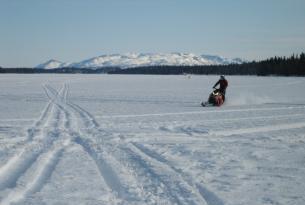 Viaje en moto de nieveCanadá Raid Mekinak 4 días 3 en moto de nieve