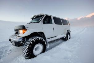 Viaje en moto de nieve Islandia
