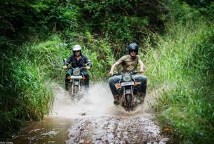 Viaje en moto por Sri Lanka en Royal Enfield