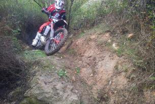 Viaje en moto enduro o Trail España Granada y desierto de Gorafe moto propia o alquiler