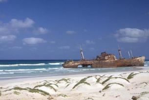 Isla de Sal: vive Cabo Verde en verano desde BCN o Madrid (Hotel Salinas)