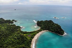 Costa Rica en grupo visitando Tortuguero, el volcán Arenal, Monteverde y Manuel Antonio