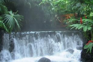 Costa Rica con Tortuguero, Río Celeste, Sarapiquí y Caribe Sur
