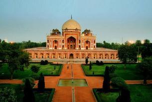 Triángulo Dorado, Khajurajo y Varanasi